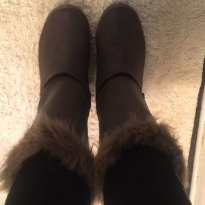 Brown winter fur boots